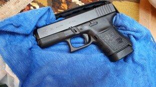 Aanhouding na waarschuwingsschoten; vuurwapen in beslag genomen