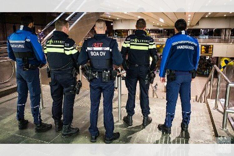 Verscherpt toezicht op jongeren Charlois en IJsselmonde