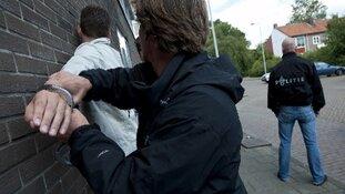 Jongeren met messen en bivakmutsen aangehouden in centrum Rotterdam