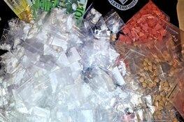 Agenten halen verdovende middelen en geld uit woning; verdachte aangehouden