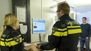 17-jarige aangehouden voor steekincident Cannenburchstraat Rotterdam
