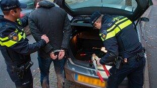 Twee verdachten aangehouden voor gijzeling. Wie weet waar de derde is?