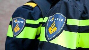 15-jarige Rotterdammer aangehouden voor gooien zwaar vuurwerk naar agenten