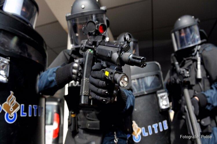 Mannen met wapens in Schiedam aangehouden