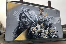Mythische muurschildering in Rotterdam